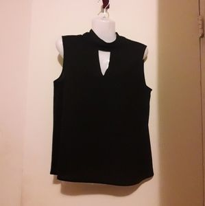 Paper Crane Simple Black keyhole blouse